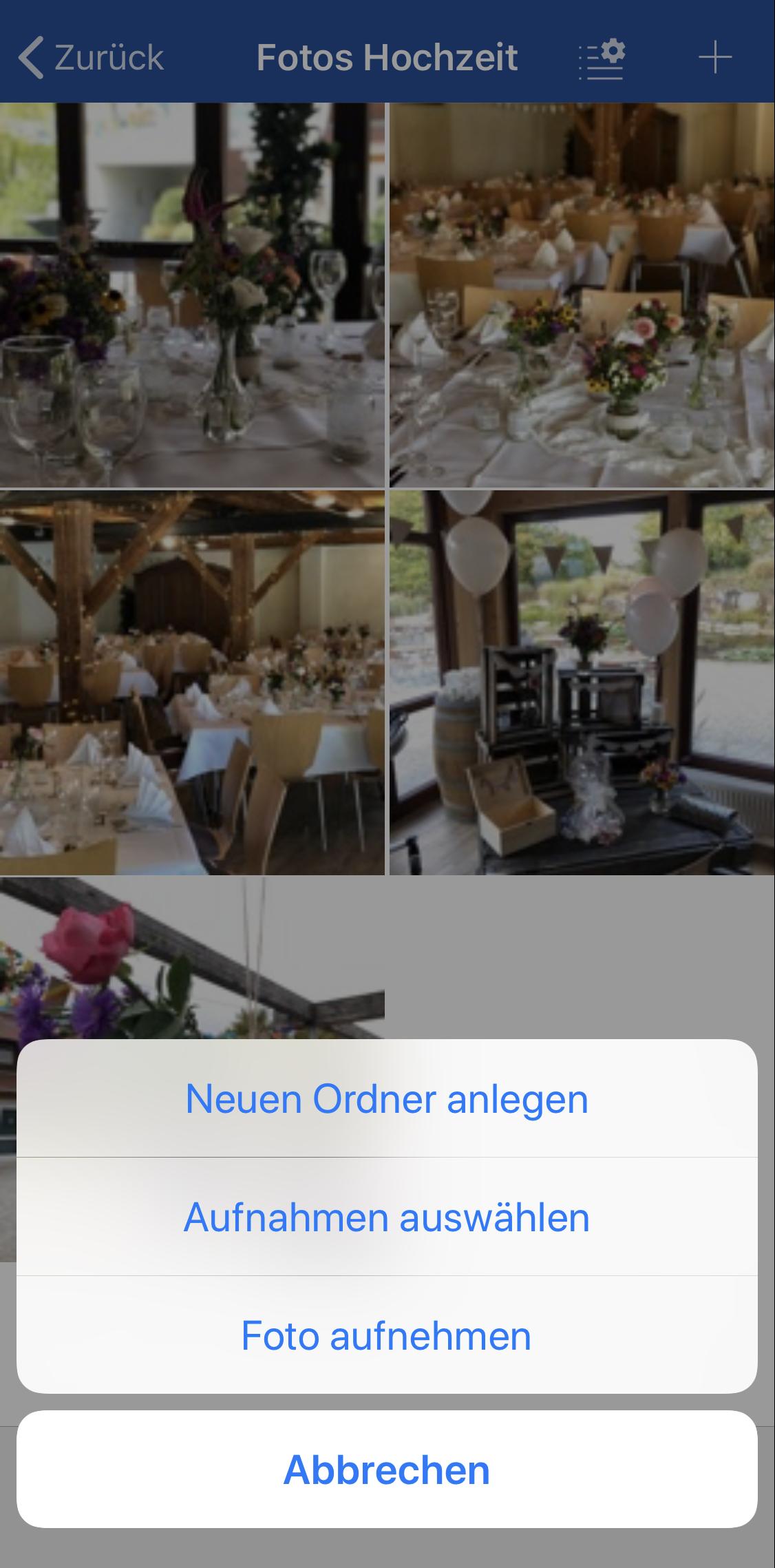 """Mit einem Tap auf das """"Plus""""-Icon lassen sich in der GMX Mail App neue Fotos in einen Ordner hinzufügen. (c) GMX"""