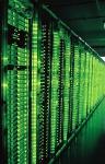 Blick in einen Serverraum des GMX Rechenzentrums